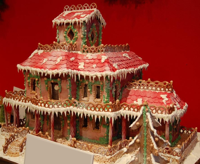 I think I can totally pull of this Gingerbread House-Lodge thingy in a single afternoon, don't you?