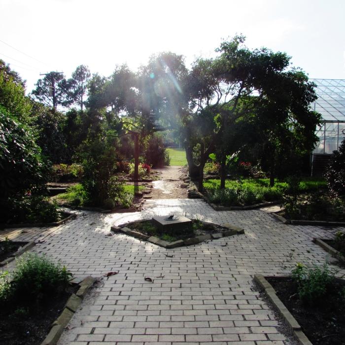 walk garden